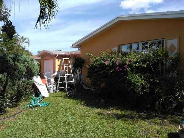 Residential house painting in Fort Lauderdale, FL. (1)