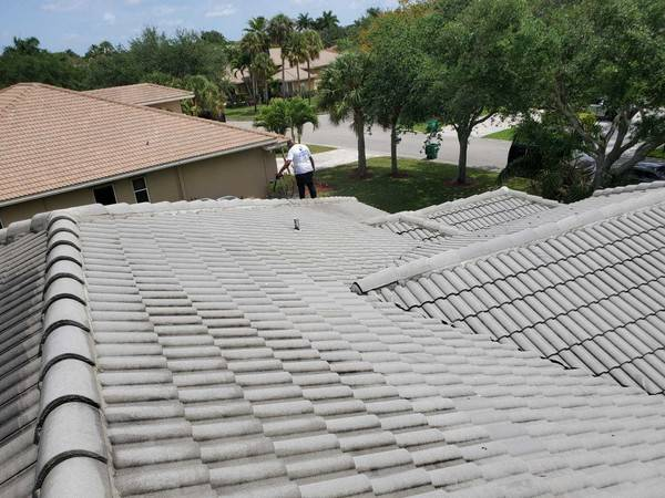 Roof Painting in Pampano Beach, FL (1)