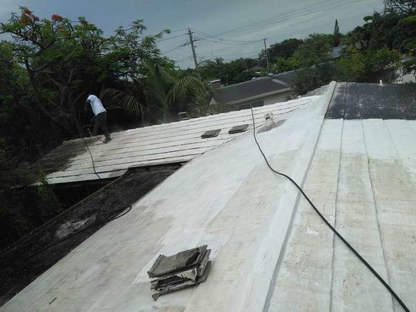 Roof Pressure Washing in Fort Lauderdale, FL (1)