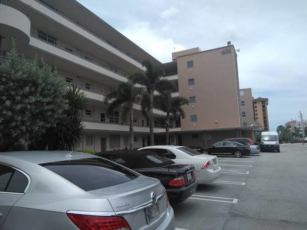 Exterior Painting of Commercial Building in Fort Lauderdale, FL (1)