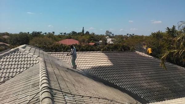 Roof Pressure Washing and Painting in Palm Beach, FL (1)