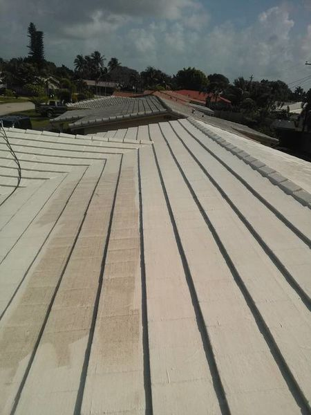 Pressure Cleaning Roof in Pompano Beach Florida (1)