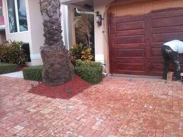Garage Door Staining in Deerfield Beach, FL (1)