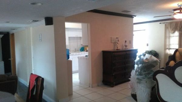 Interior repainting in Plantation, FL (1)