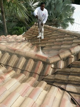 Pressure cleaning of rules in Pompano Beach, Florida
