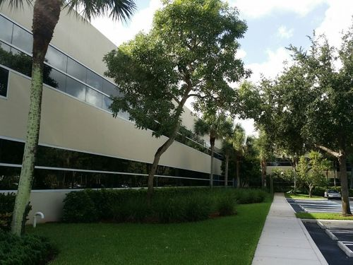 Exterior Painting of a commercial building in Pompano Beach, FL